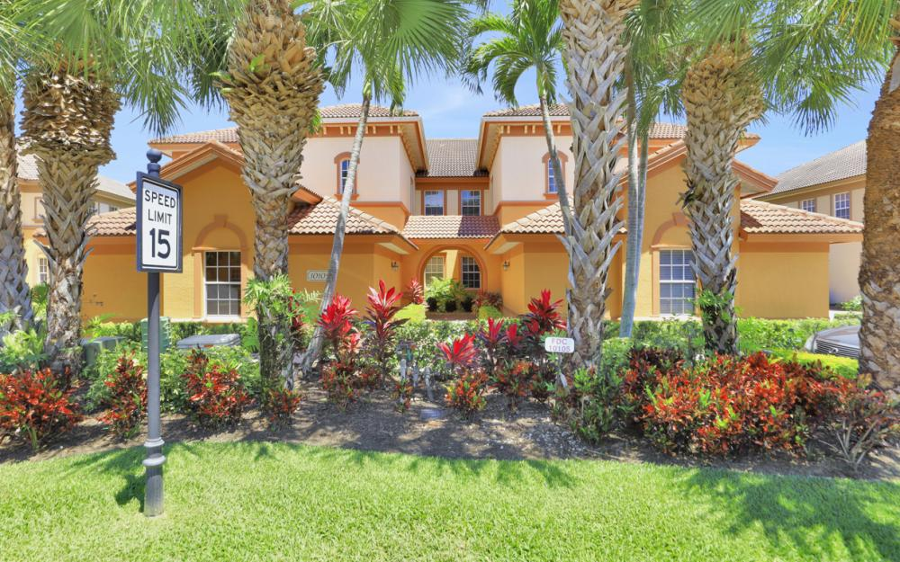 10105 Valiant Ct #102 Miromar Lakes - Home For Sale 1148781628