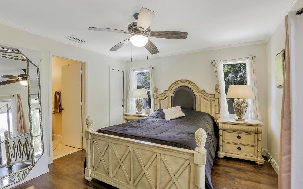 723 102nd Ave N, Naples - Vacation Rental 627176133