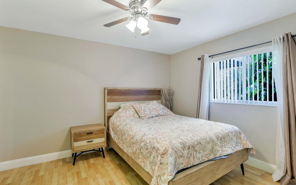 723 102nd Ave N, Naples - Vacation Rental 1043783266