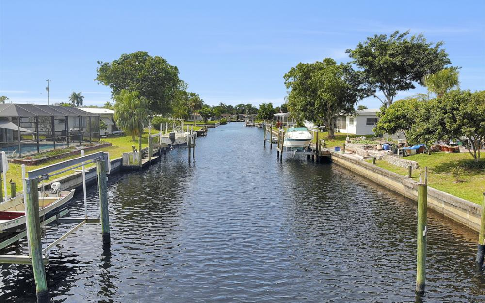 4430 N Atlantic Cir, North Fort Myers - Home For Sale 357963637