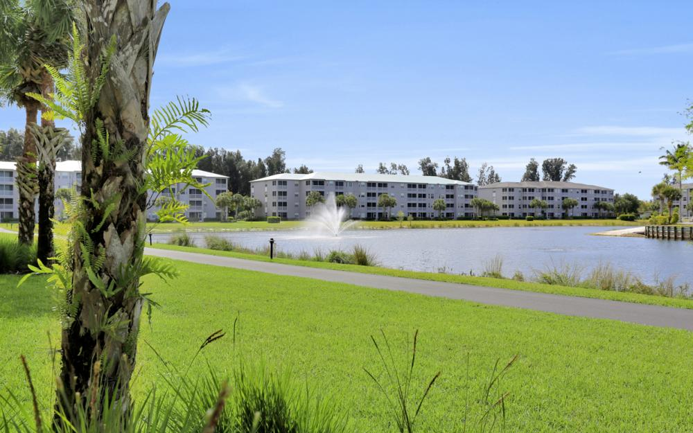 16675 Lake Cir Dr#923, Fort Myers - Condo For Sale 43279256