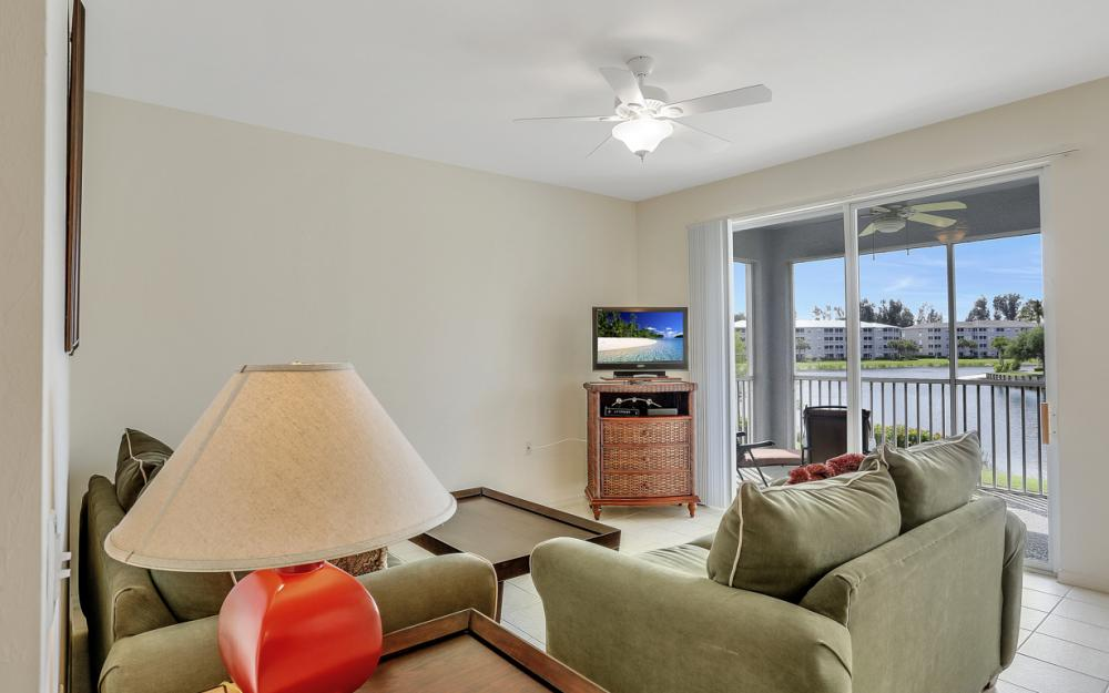 16675 Lake Cir Dr#923, Fort Myers - Condo For Sale 2063304298