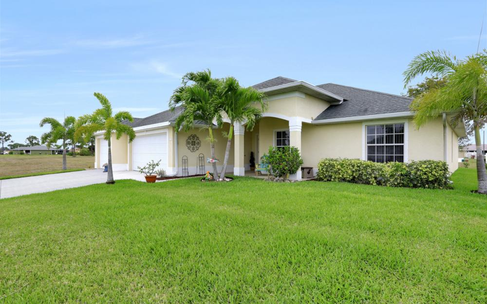 2813 NW 20th Pl, Cape Coral - Home For Sale 702691847