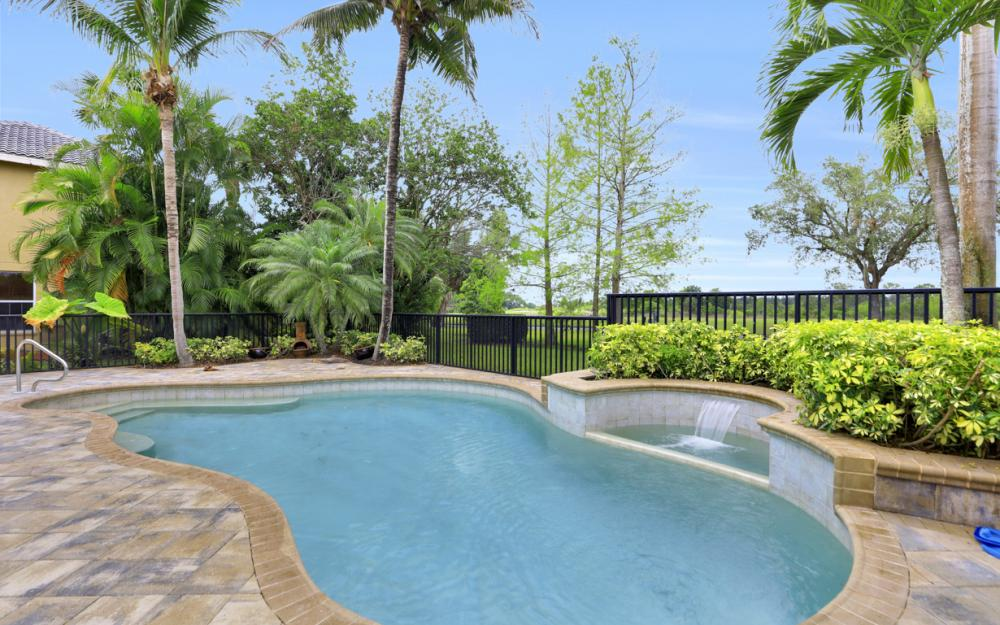 12091 Wedge Dr, Fort Myers - Home For Sale 1028303104