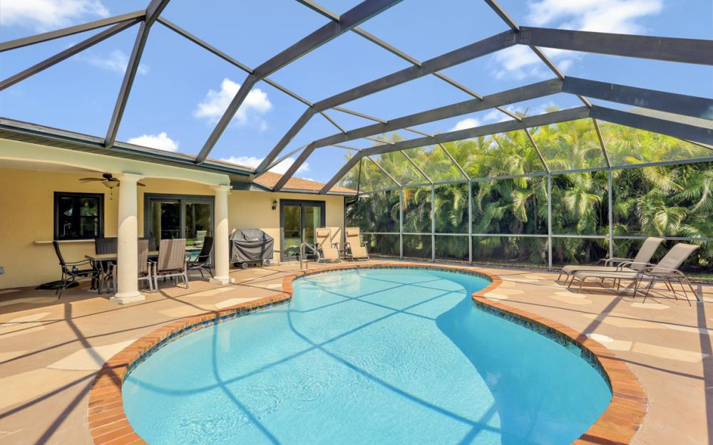 1020 SE 19th Ave Cape Coral - Home For Sale 462320241