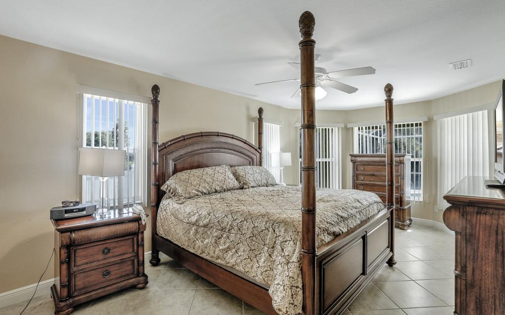 1405 SW 1st Ave Cape Coral - Home For Sale 535926619