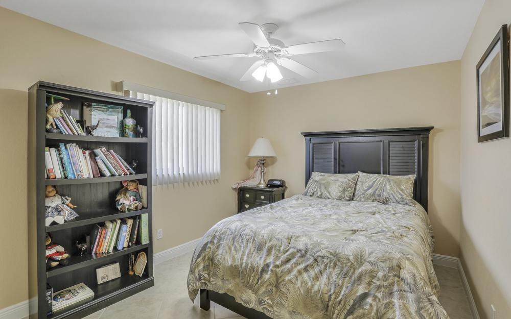 1405 SW 1st Ave Cape Coral - Home For Sale 54219016