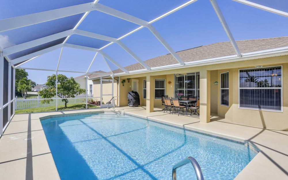 1405 SW 1st Ave Cape Coral - Home For Sale 1094006927
