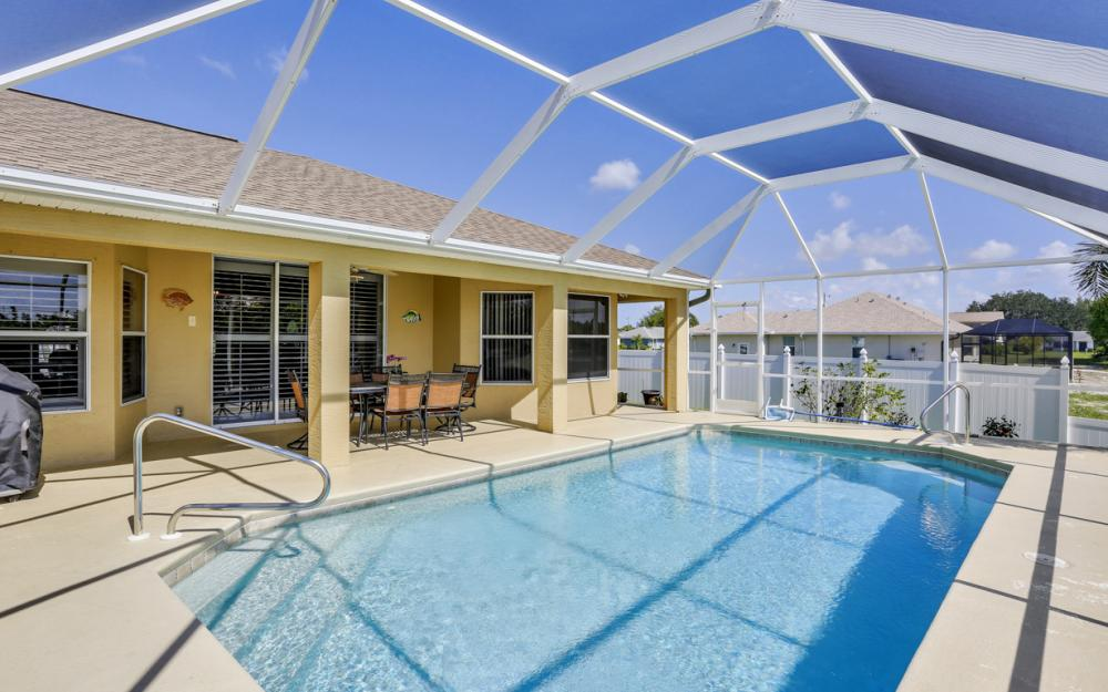 1405 SW 1st Ave Cape Coral - Home For Sale 75560421