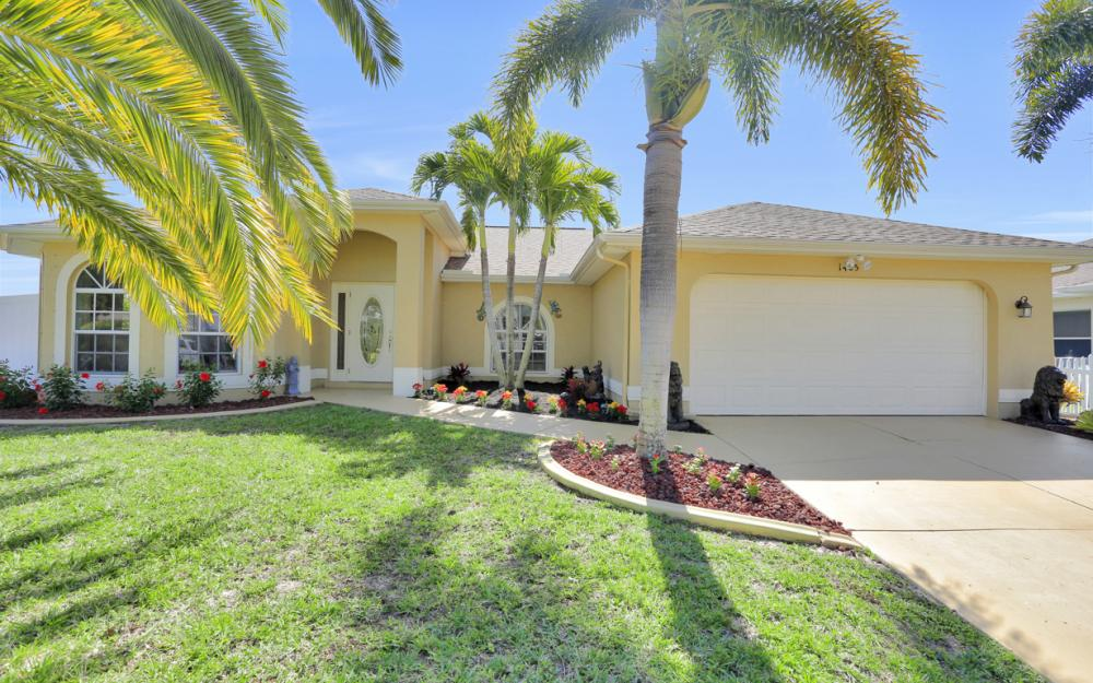 1405 SW 1st Ave Cape Coral - Home For Sale 765801097