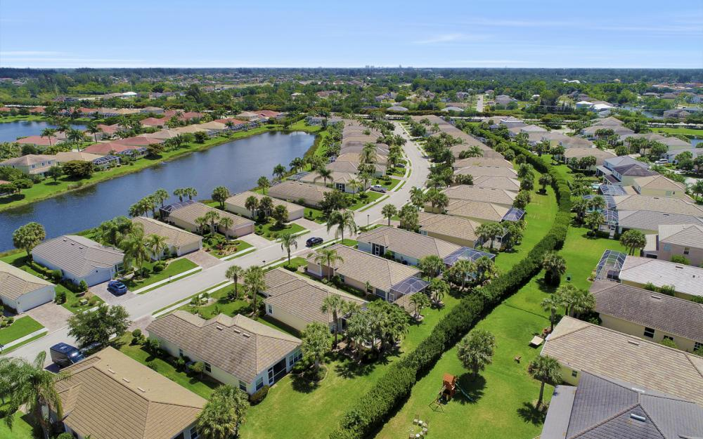 2532 Hopefield Ct, Cape Coral - Home For Sale 349141097