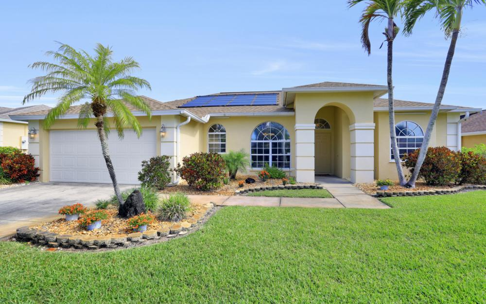 1586 Vintage Ln, Naples - Home For Sale 556564143