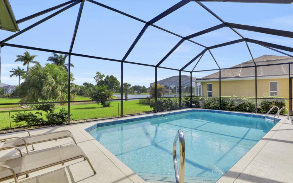 1586 Vintage Ln, Naples - Home For Sale 2055708526