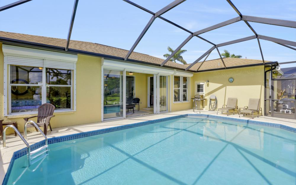 1586 Vintage Ln, Naples - Home For Sale 2078674715