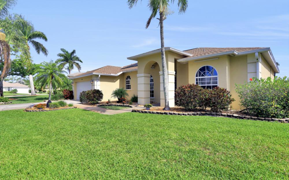 1586 Vintage Ln, Naples - Home For Sale 1315012070