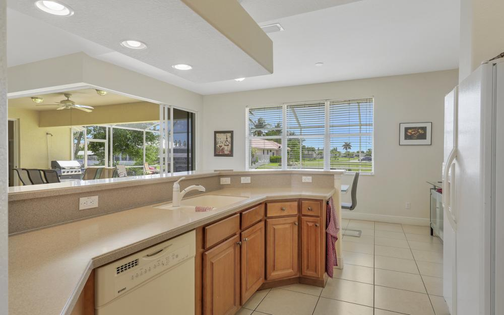 4212 SW 3rd Ave, Cape Coral - Home For Sale 594383245