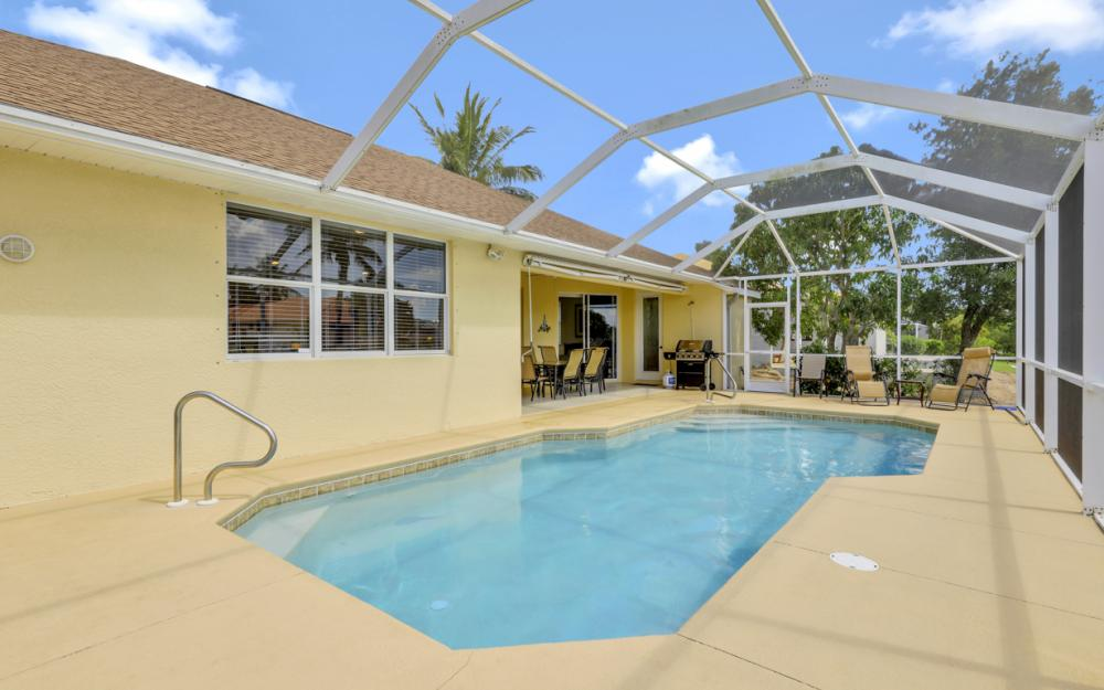 4212 SW 3rd Ave, Cape Coral - Home For Sale 593420880