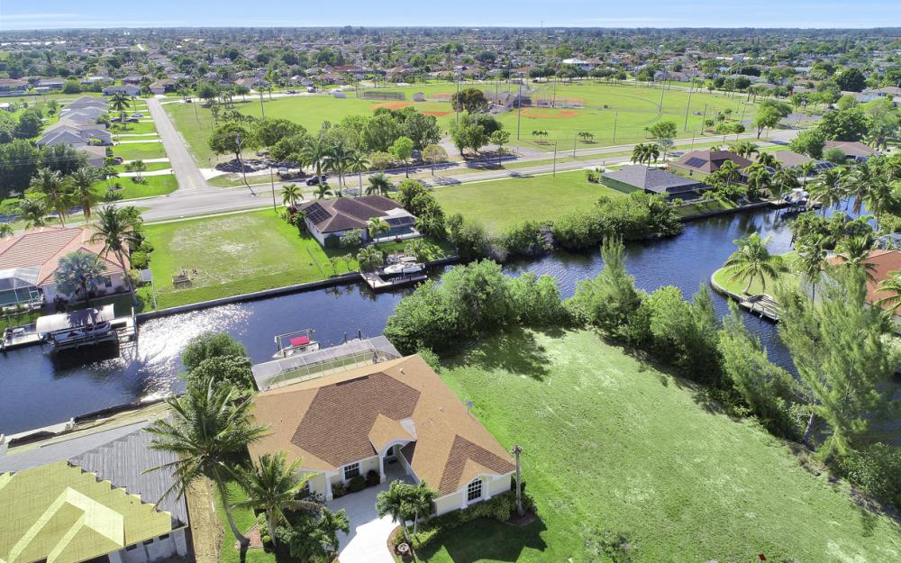 4212 SW 3rd Ave, Cape Coral - Home For Sale 1115559124