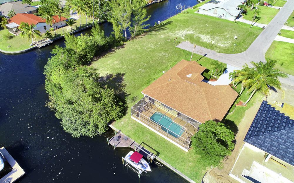 4212 SW 3rd Ave, Cape Coral - Home For Sale 2027796739