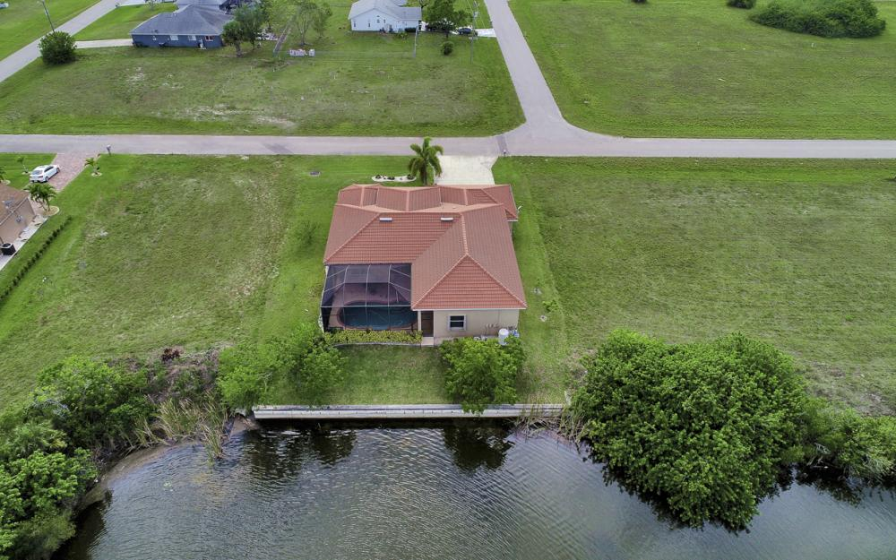 1309 NW 14th Ave Cape Coral - Home For Sale 2088799785