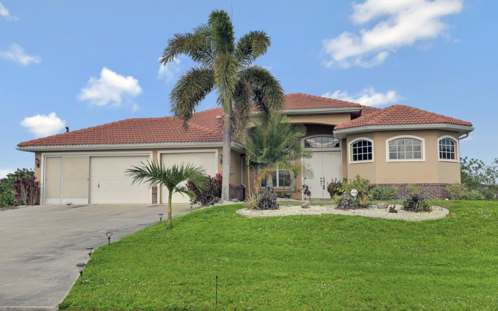 1309 NW 14th Ave Cape Coral - Home For Sale 1183392022