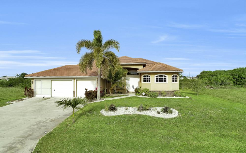 1309 NW 14th Ave Cape Coral - Home For Sale 2145876031