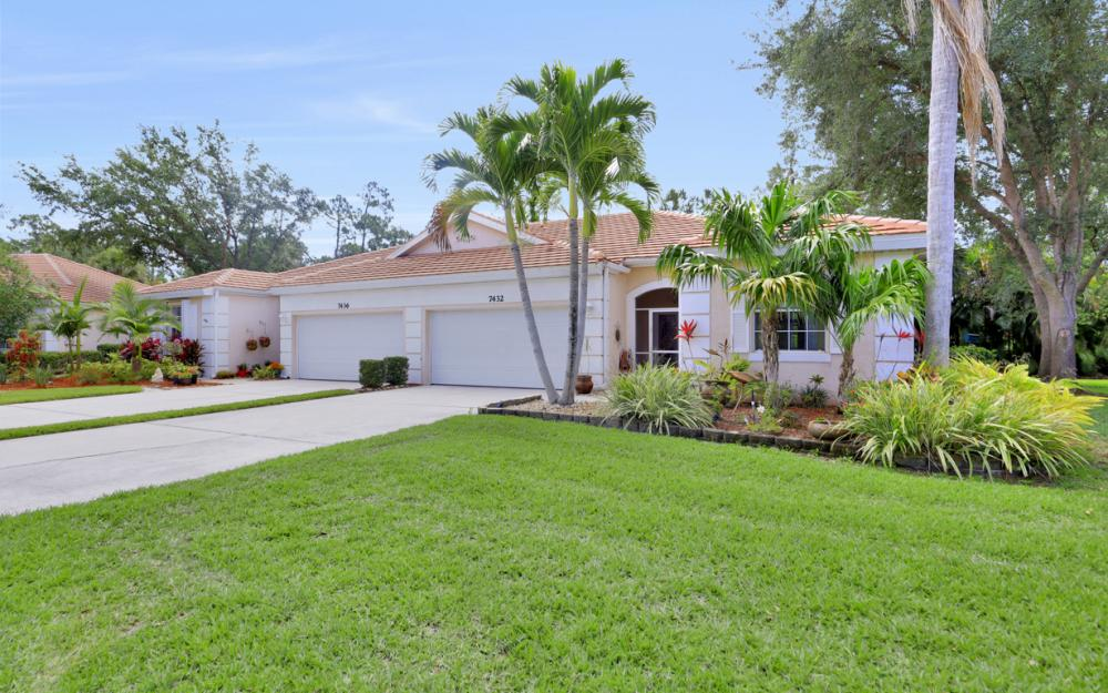 7432 Berkshire Pines Dr, Naples - Home For Sale 440643222