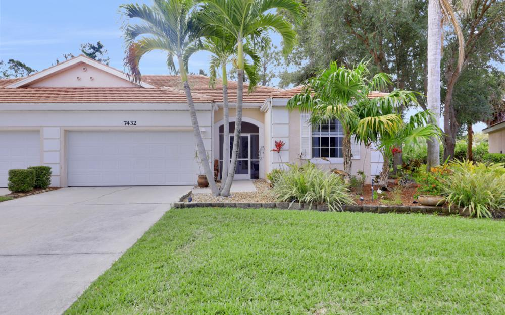 7432 Berkshire Pines Dr, Naples - Home For Sale 923834940