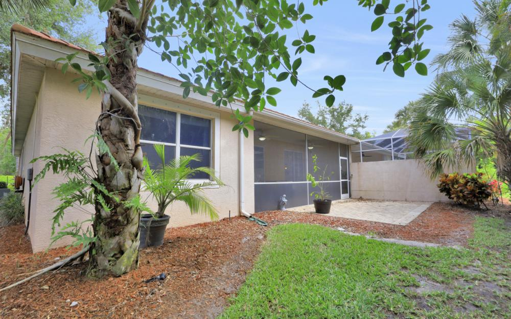 7432 Berkshire Pines Dr, Naples - Home For Sale 942817018