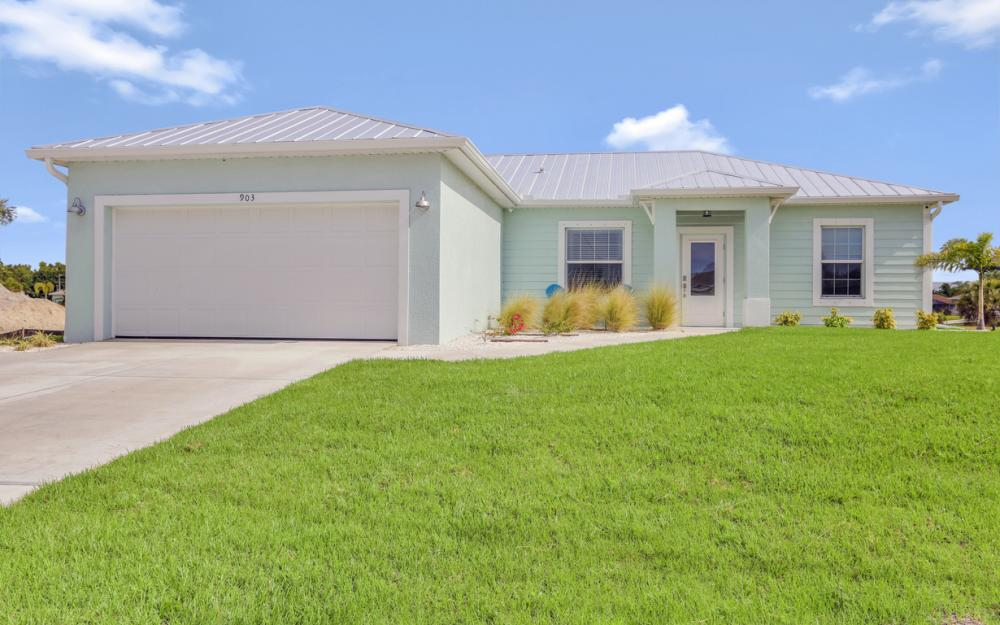 903 Embers Pkwy W, Cape Coral - Model Home 322162275