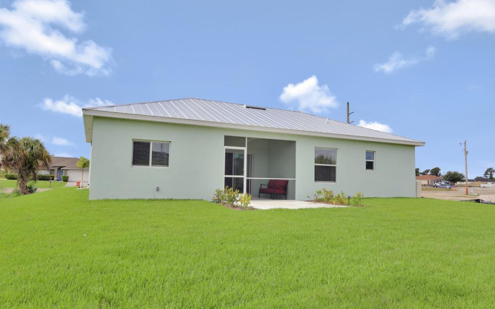 903 Embers Pkwy W, Cape Coral - Model Home 2000939593
