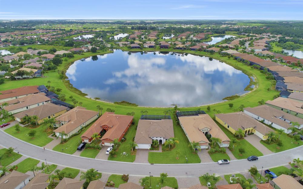 10082 Avalon Lake Cir, Fort Myers - Home For Sale 597300945