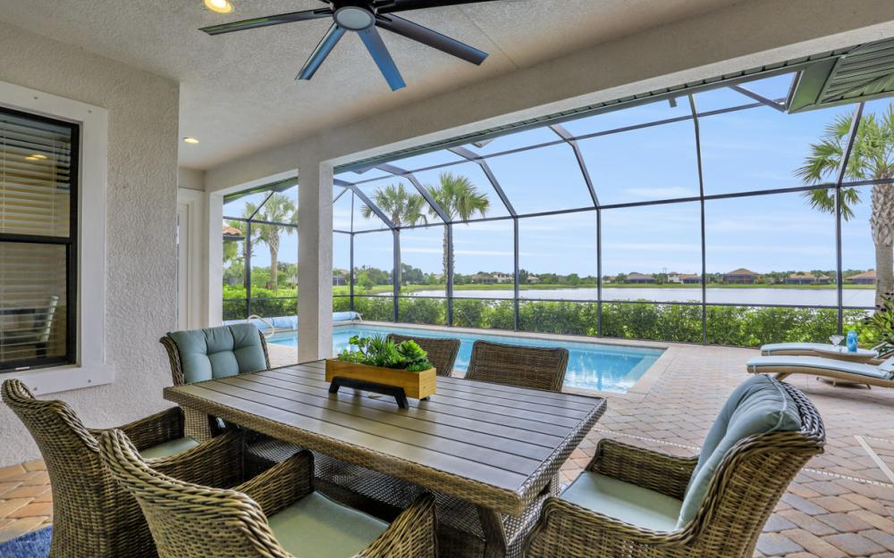10082 Avalon Lake Cir, Fort Myers - Home For Sale 99113440