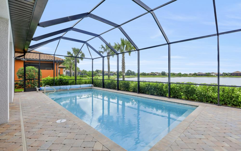 10082 Avalon Lake Cir, Fort Myers - Home For Sale 1683484659