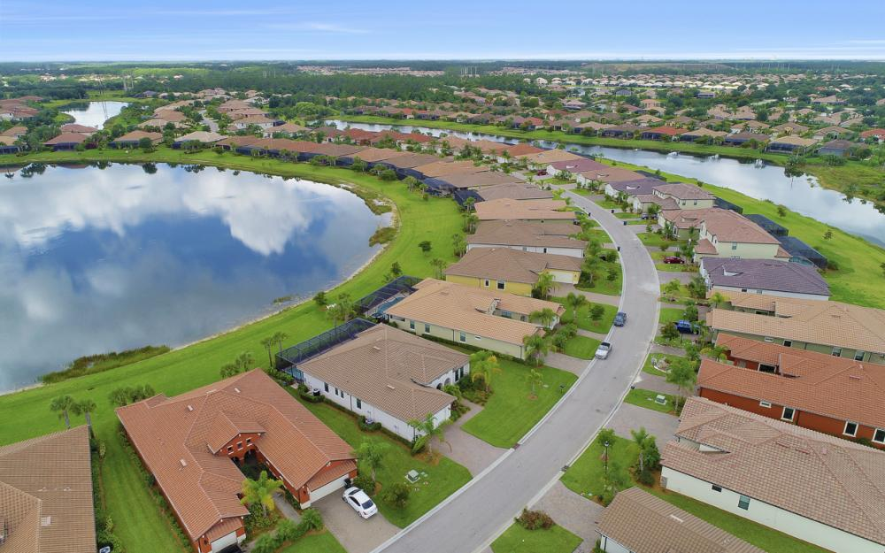 10082 Avalon Lake Cir, Fort Myers - Home For Sale 2086863344