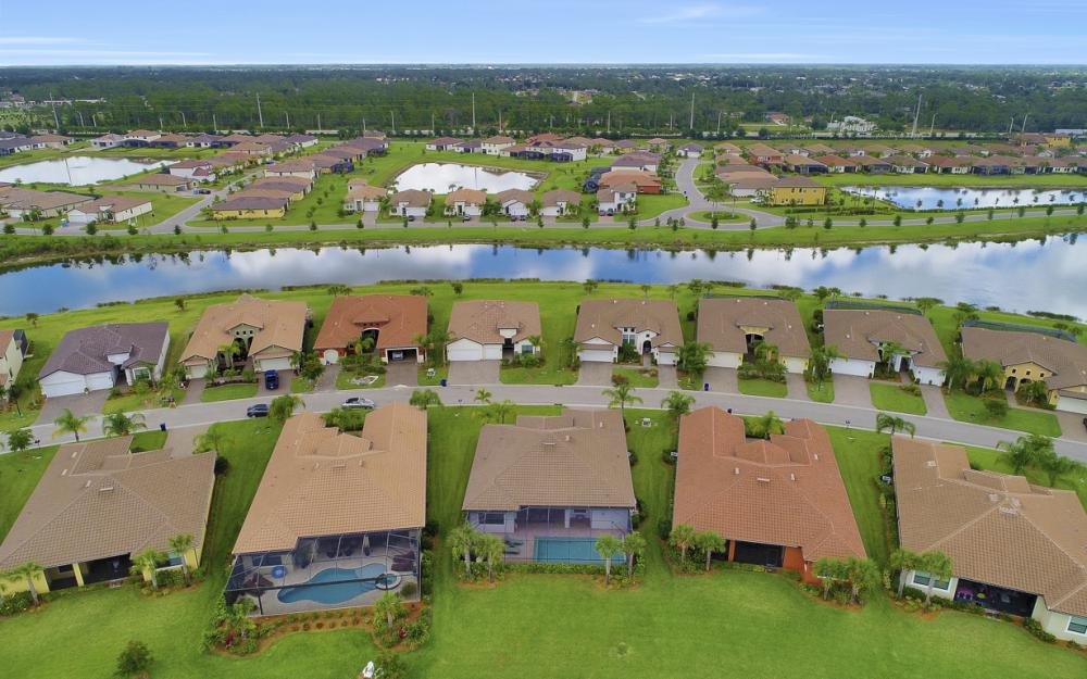 10082 Avalon Lake Cir, Fort Myers - Home For Sale 1486514444
