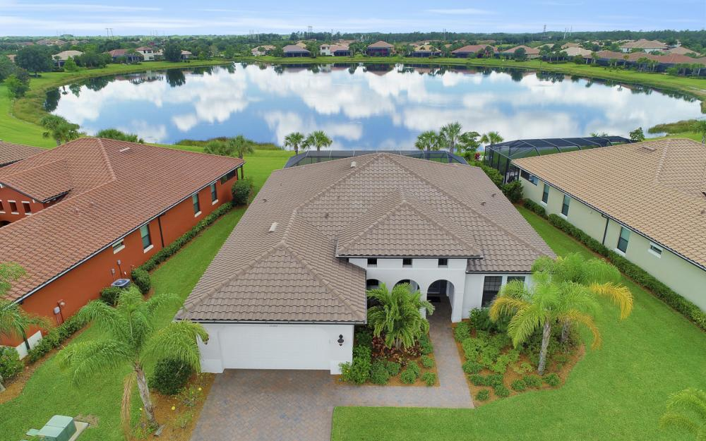 10082 Avalon Lake Cir, Fort Myers - Home For Sale 842704642