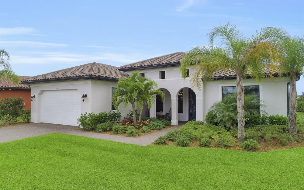 10082 Avalon Lake Cir, Fort Myers - Home For Sale 782299317