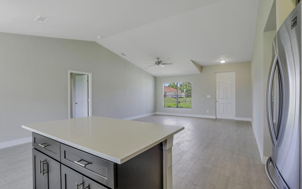 206 Nw 25th Ter, Cape Coral - Home For Sale 1331557799