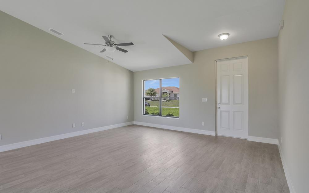 206 Nw 25th Ter, Cape Coral - Home For Sale 388131025