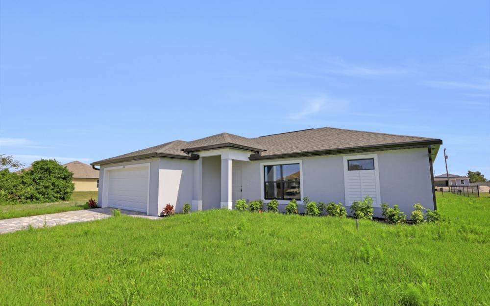 206 Nw 25th Ter, Cape Coral - Home For Sale 1802703518