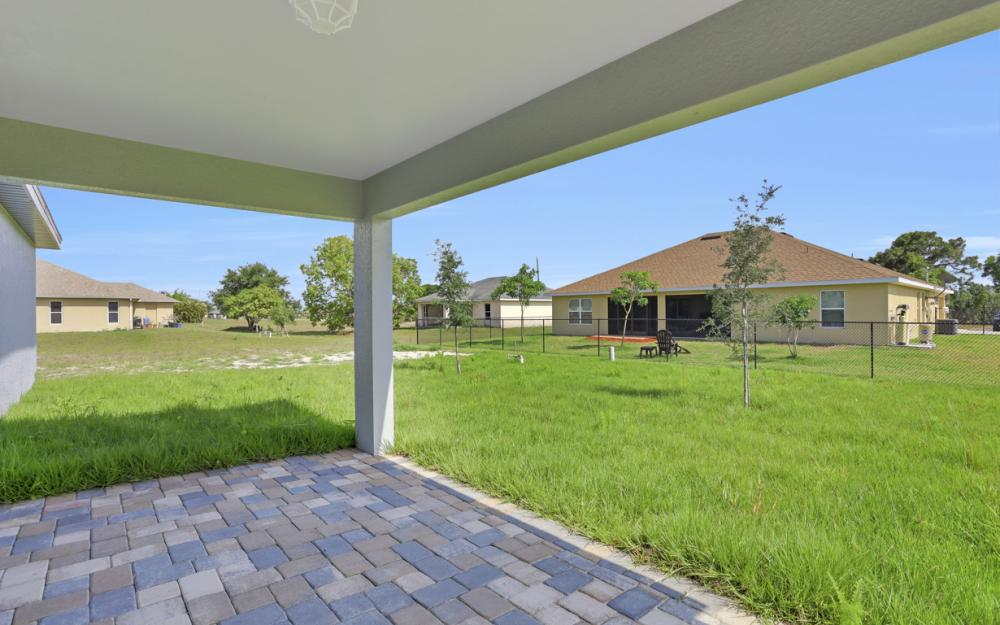 206 Nw 25th Ter, Cape Coral - Home For Sale 910724228
