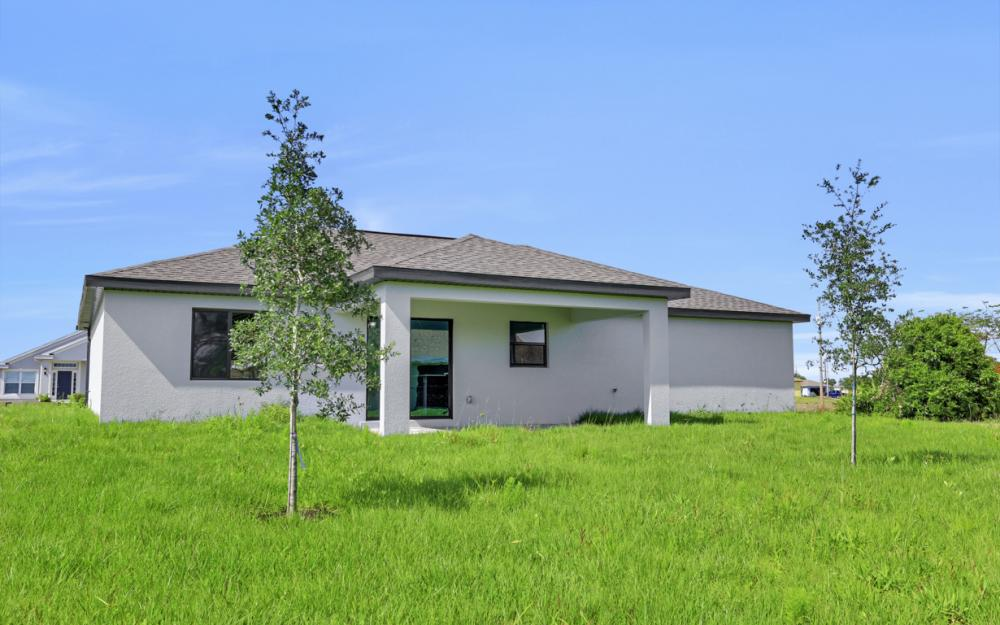206 Nw 25th Ter, Cape Coral - Home For Sale 187558187