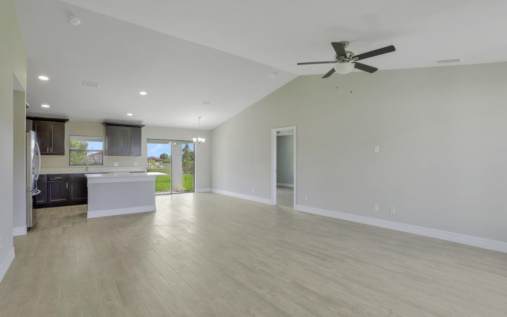 206 Nw 25th Ter, Cape Coral - Home For Sale 1151644655