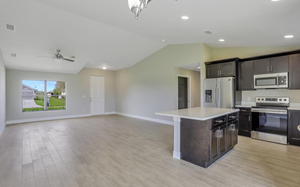206 Nw 25th Ter, Cape Coral - Home For Sale 805636924