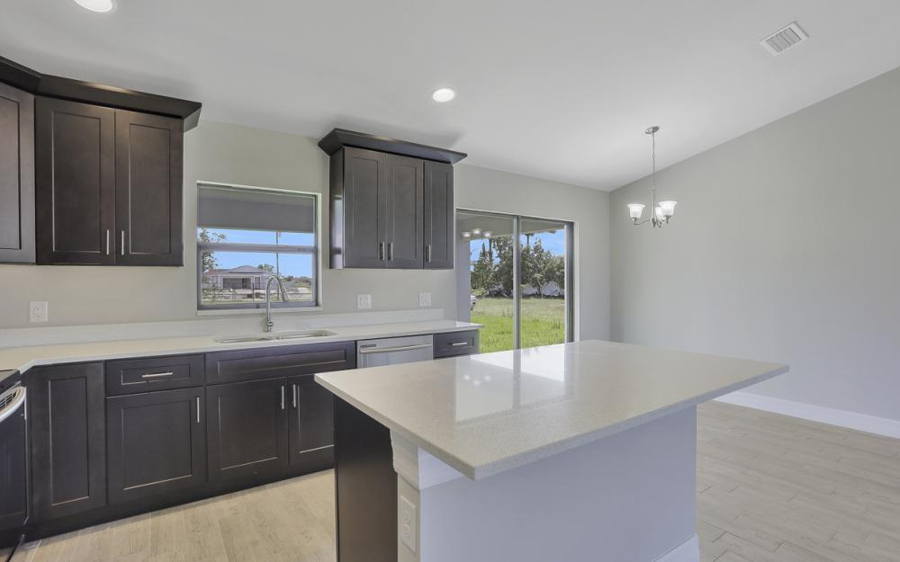 206 Nw 25th Ter, Cape Coral - Home For Sale 279947741