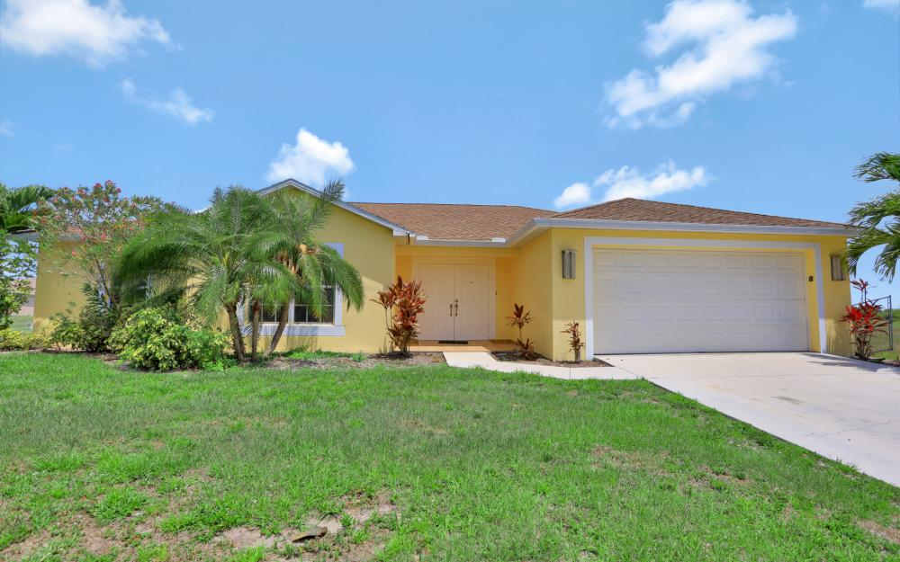 2011 NW 10th Ave, Cape Coral - Home For Sale 301356871