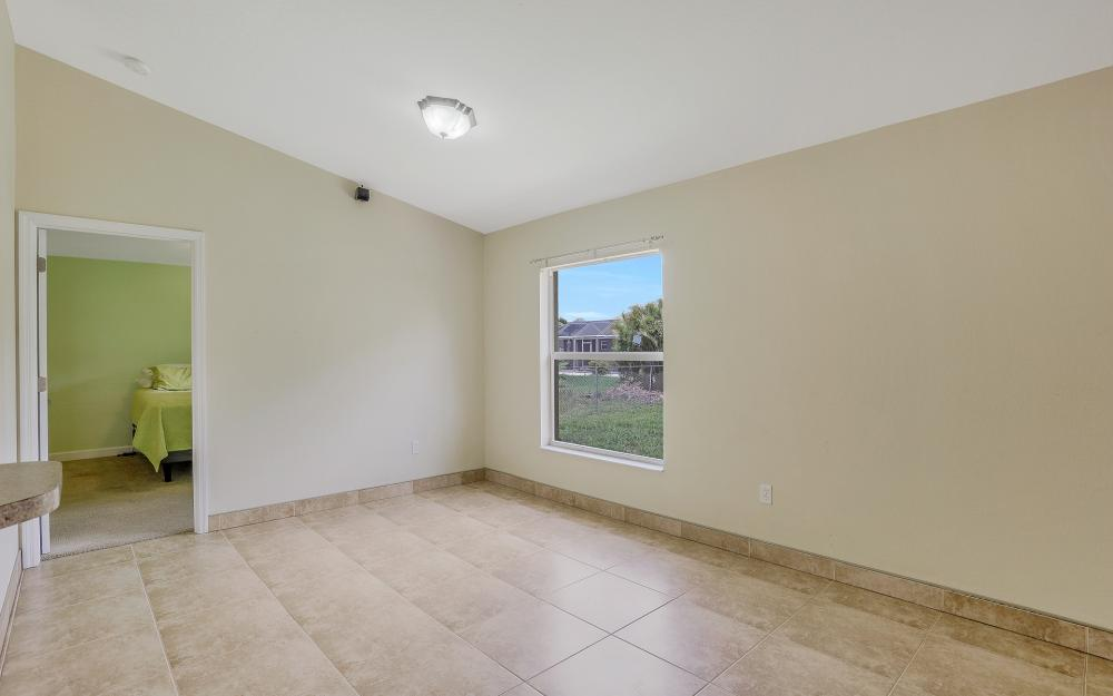 2011 NW 10th Ave, Cape Coral - Home For Sale 727518835