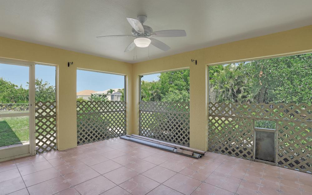 2011 NW 10th Ave, Cape Coral - Home For Sale 252054010