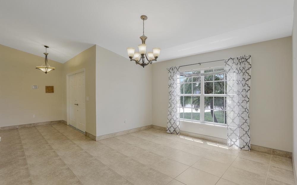 2011 NW 10th Ave, Cape Coral - Home For Sale 1180658686